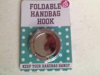 👜🎒 Foldable handbag hook brand new still in packet