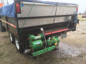 Hydr Dump Trailer w attached blower sys
