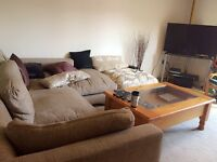 Aldershot Bell Chase Flat to share, Double Bedroom with Private Bathroom