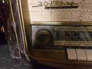 Grundig 960 Shortwave Radio Bakelite Original German London Ontario image 5