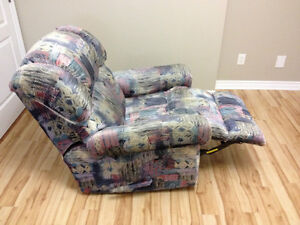 Selling Super Comfortable Recliner, GREAT DEAL!