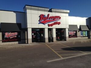 retail or professional space in Plaza 1909 Mountain Road, Moncto