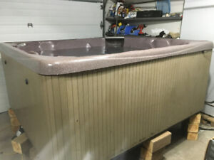 Beautiful beachcomber hot tub for sale - like new all re done