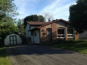 3bdr house for rent in Amherstview