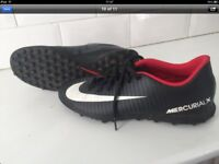 Nike size 6 AstroTurf trainers £20