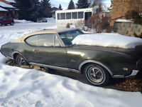 1968 Cutlass Supreme Oldsmobile - 2 door hardtop