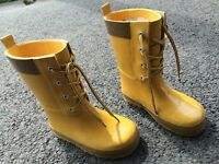 Size 7/8 rubber boots.