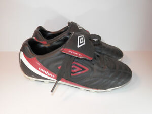 Kid's Size 13 Umbro Soccer Cleats