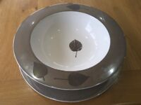 Table centrepiece bowl and charger