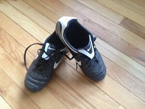 Nike Soccer Cleats size 4.5