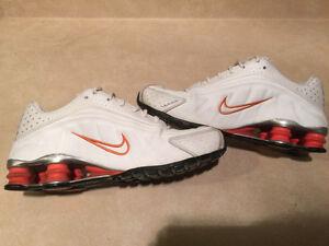 Women's Nike Shox Running Shoes Size 8.5 London Ontario image 6