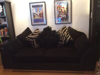 Lovely black sofa 2nd hand Dfs black 3 seater
