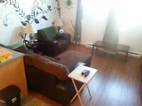 Coloc recherché / Looking for a roomate April to August 2015