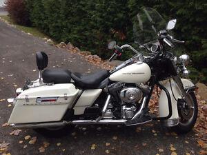 Harley Davidson Road King - Police Pack 2000