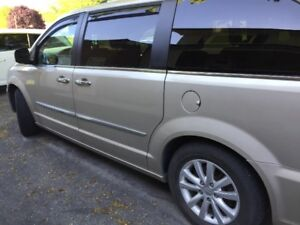 2016 SPECIAL EDITION TOWN AND COUNTRY CRYSLER