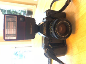 Canon T70 Camera with Flash & Case