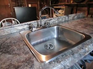 """2 Granite-Look CounterTops-6' w/ Stainless Sink &  5' 4"""" *NICE* West Island Greater Montréal image 2"""