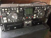 Denon DN-HD2500 dual CD/MP3 player/midi controller