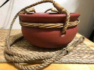 Clay hanging pot with rope