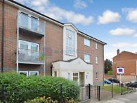 1 bedroom flat in Glyndon Road, Plumsted SE18