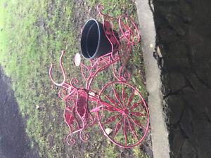 Iron bicycle planter