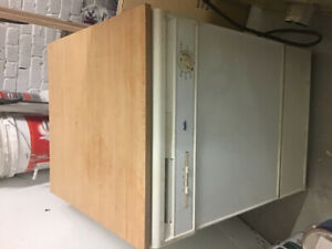 Full size portable dishwasher in good condition