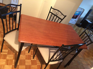 DINNING TABLE 4 SEATS FOR SALE !!