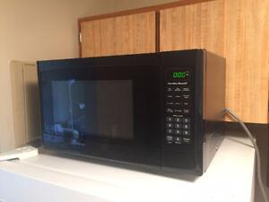 Hamilton Beach 1.1 cu.ft. 1000W Microwave