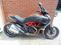 2013 (13) DUCATI DIAVEL CARBON RED - TINTED SCREEN SEAT COWL