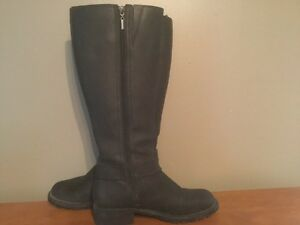 Women's Tall Leather Boots London Ontario image 5