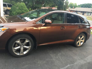 2011 Toyota Venza ( single owner lady driven )