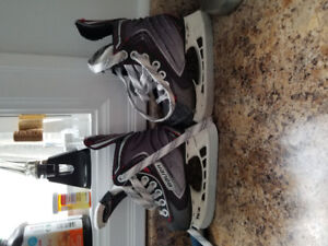 Youth bauer vapor size 8