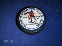 HOCKEY PUCK-TOURNOI PROVINCIAL PEE-WEE ST. JEROME-1974-1984