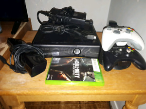 Xbox360 Kinect 2 controller with charger 1 game good condition