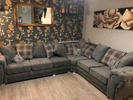 New - 6 Seater Verona Corner Sofa With Scatter Back Cushions