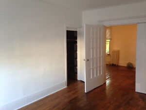 3 Bedroom + large living room - DOWNTOWN OTTAWA SANDYHILL