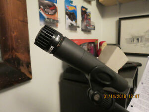 Shure 57 mic with cable and stand