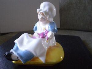 "Royal Doulton Figurine - "" Ellen "" HN3020 - Greenaway Collection Kitchener / Waterloo Kitchener Area image 2"