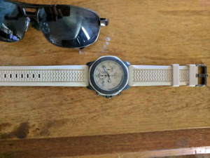 "Men's Beige Bulova Watch ""Marine Star 98B201"""