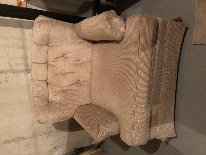 Couch And Chair Couches Amp Futons Ottawa Kijiji