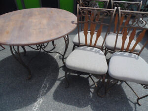 Wood Round Table 4 Chairs (Trail)