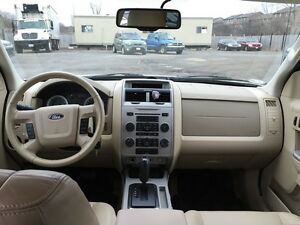 2010 FORD ESCAPE XLT * LEATHER * POWER GROUP * EXTRA CLEAN London Ontario image 13