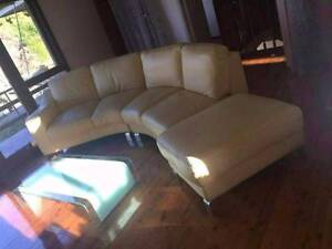 Italian curve cream leather sofa set for sale free delivery Narwee Canterbury Area Preview
