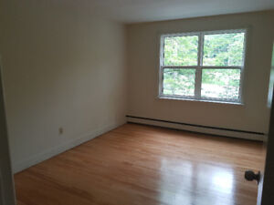 Seeking Roommate, close to Waterfront Campus
