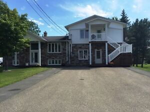 GOOD INVESTMENT HOME!! LOCATED IN ST-LEONARD