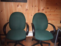 25 Green computer chair's in good condition $9.50 each