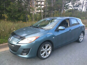 2010 Mazda3 Sport Hatchback + New Winter Tires