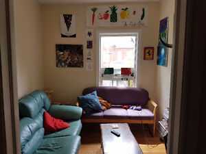 Spadina/College 5 bedrooms 5 full bathrooms