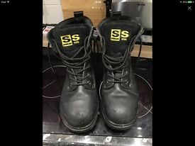 Safety Boots - Size 9