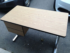 Desk For Sale London Ontario image 2